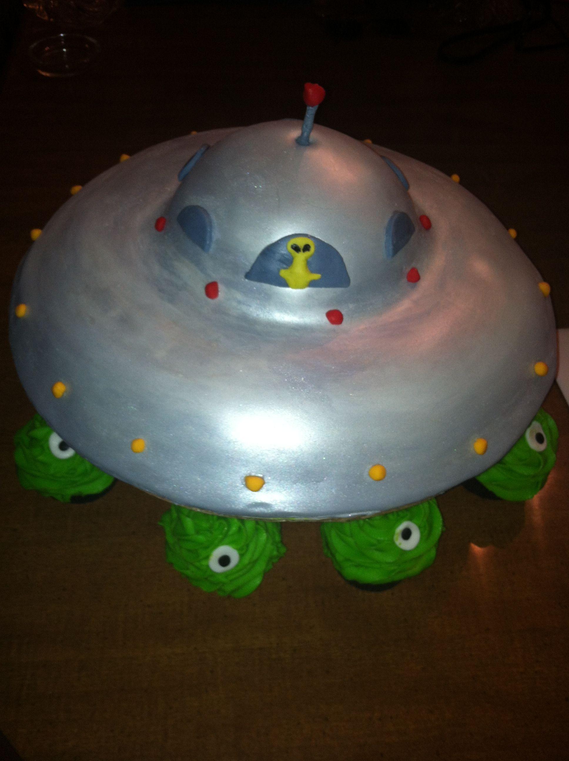 Alien Ufo Cake