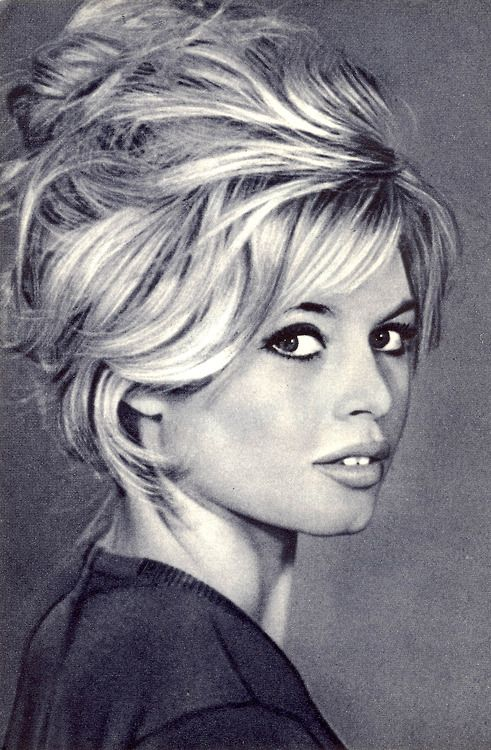 Brigitte Bardot's hair... amazing... Cheveux bardot