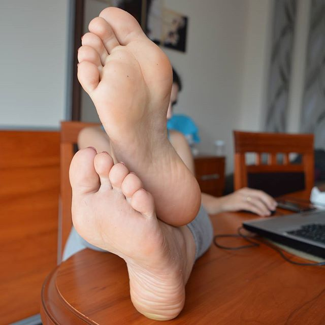 sexy-foot-soles-pussy-shots-from-fantasy-fest