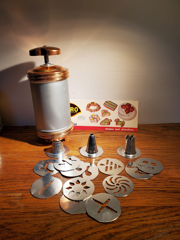 Spritz cookie Press Cookie Press with recipes Vintage Wearever Cookiepress Butter Cookie Press Mirro Cookie Press Antique