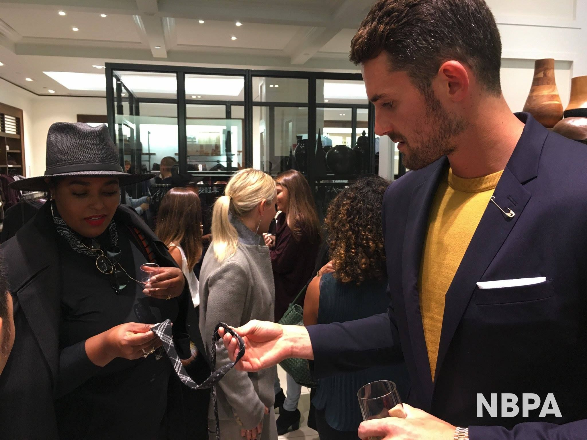 Kevin Love, Visited the Banana Republic NYC store during ...