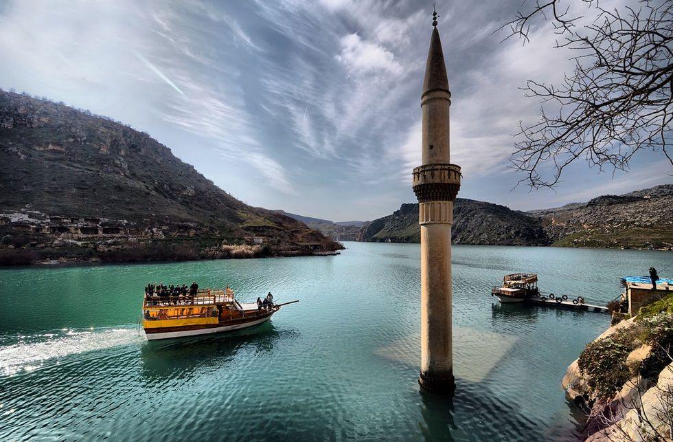 Türkiye'de Ölmeden Önce Ziyaret Etmeniz Gereken 20 Gerçeküstü Mekan - Halfeti, Şanlıurfa