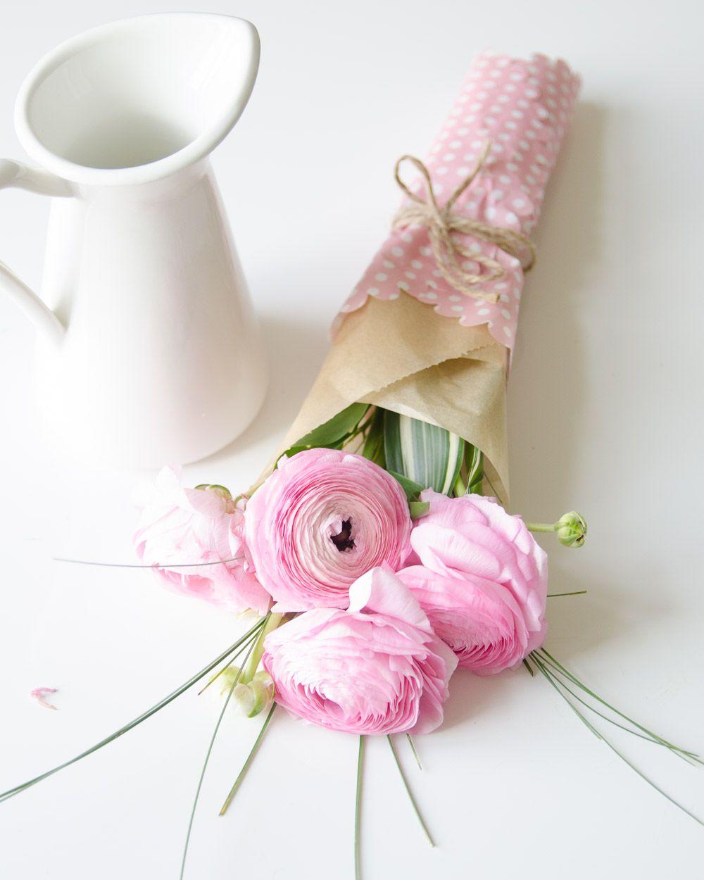 Nie Mam W Domu Zadnych Kwiatow Doniczkowych Oprocz 3 Malych Kaktusow Ale To Sie Nie Liczy Dlatego Zawsze Z Prz Felt Bouquet Bouquet Wrap Flower Arrangements