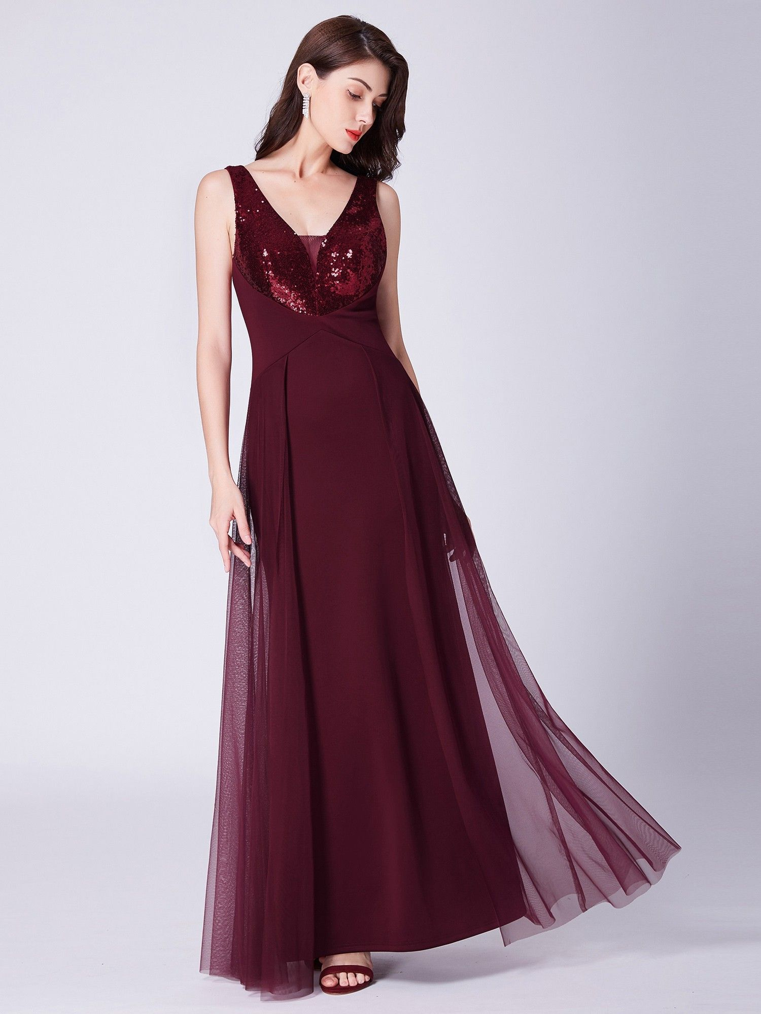 https://www.ever-pretty.com/us/floor-length-burgundy-sequin-evening-dress-ep07453.html?utm_source=blog&utm_medium=post&utm_campaign=1142