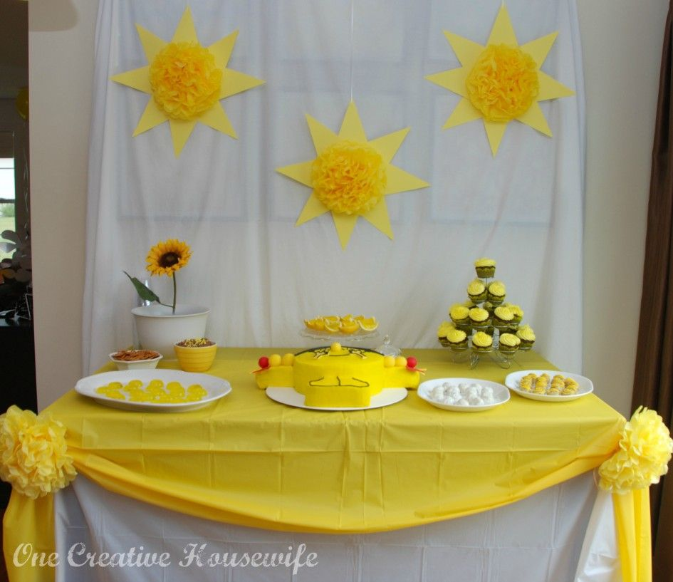 Awesome party decorations with light yellow sun flower