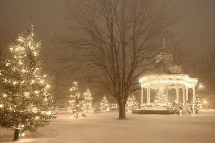 Chardon, Ohio square lit up with white Christmas lights during winter