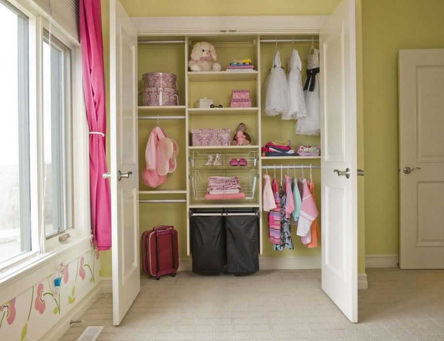 Creative Closet Makeover With Easyclosets Simple Closet Closet Makeover Closet Apartment