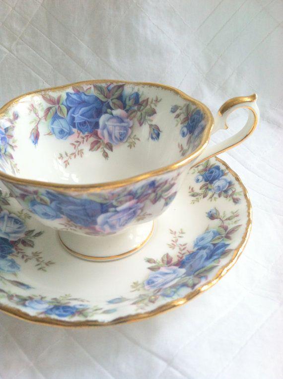 Royal Albert Servies Blauw.Vintage Royal Albert Tea Cup And Saucer Moonlight Rose