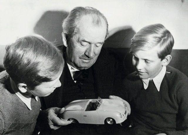 Sketchbook historic cars Pictures: Ferdinand Alexander PORSCHE