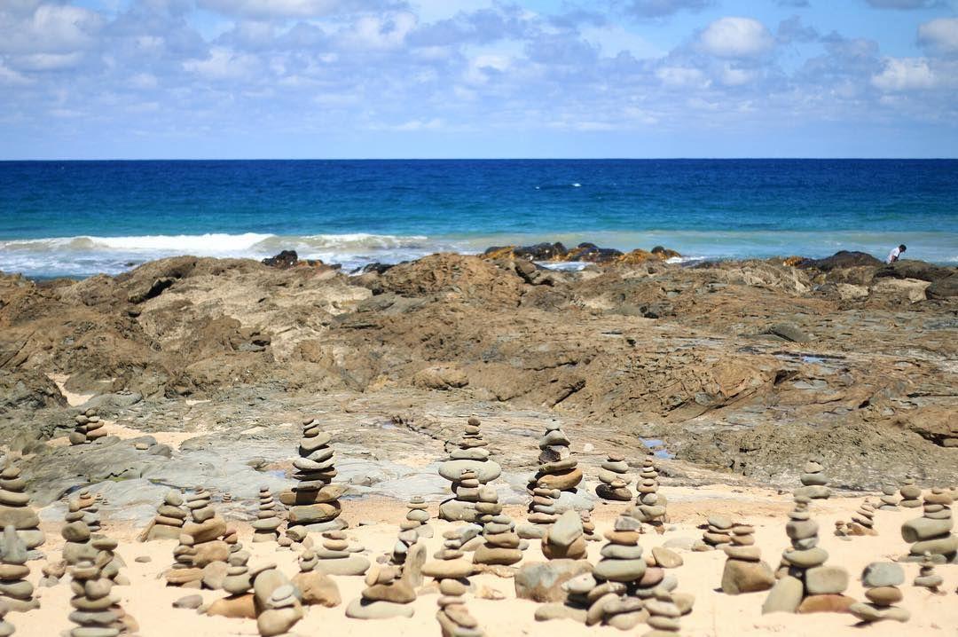 | - 究竟邊好咁有心機用石頭砌咁多篤呢 Btw澳洲是但一個海都好靚 #MelroseinMelbourne #GreatOceanRoad by melroseyct