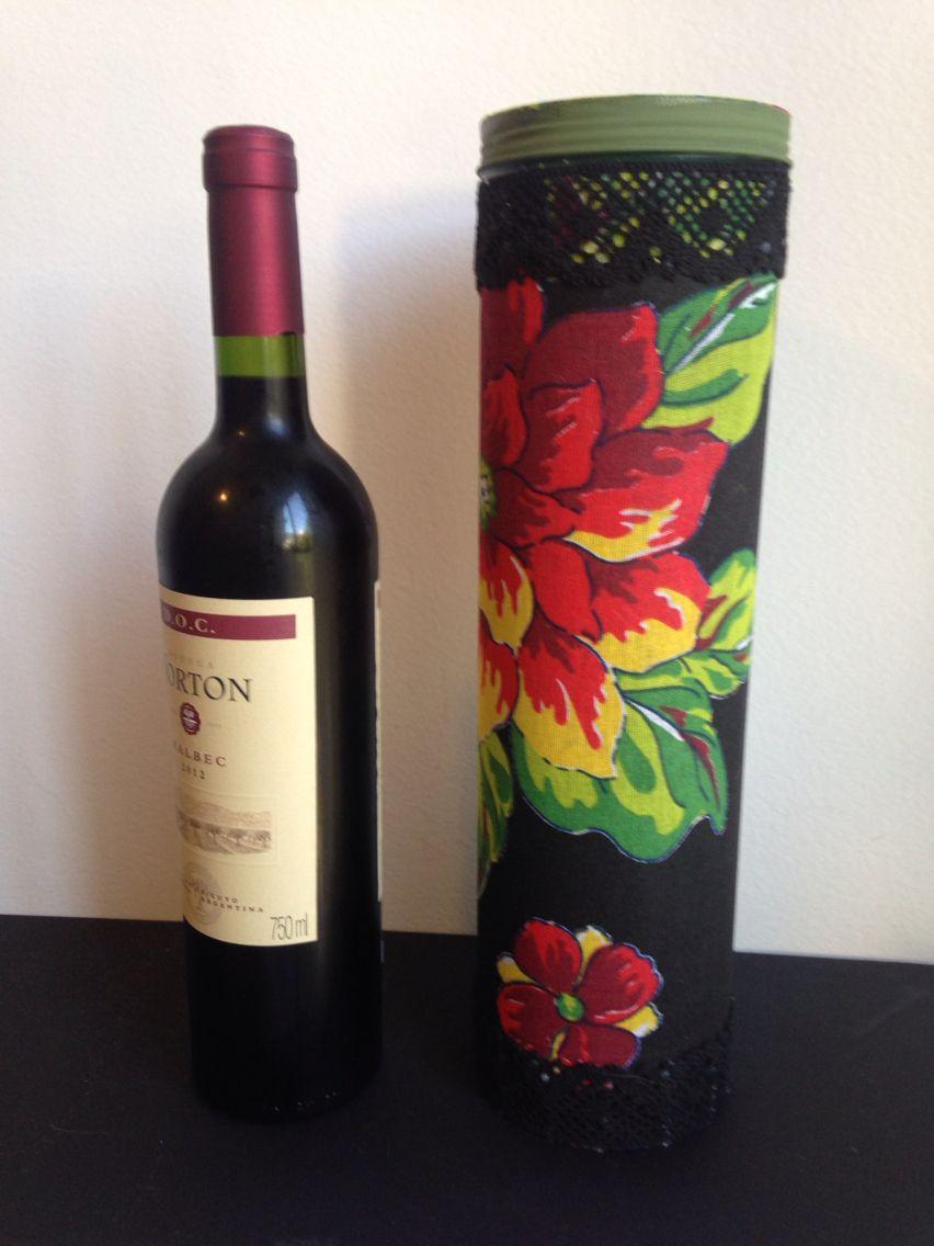 Uma Linda Embalagem De Vinho Pode Ser Criada A Partir Do Reaproveitamento De Uma Velha Lata De Whisky Wine Bottle Wine Red Wine