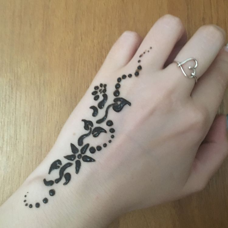 45 Henna Tattoo Designs For Girls To Try At Least Once Koees Blog Simple Henna Tattoo Henna Tattoo Designs Simple Henna Tattoo Designs