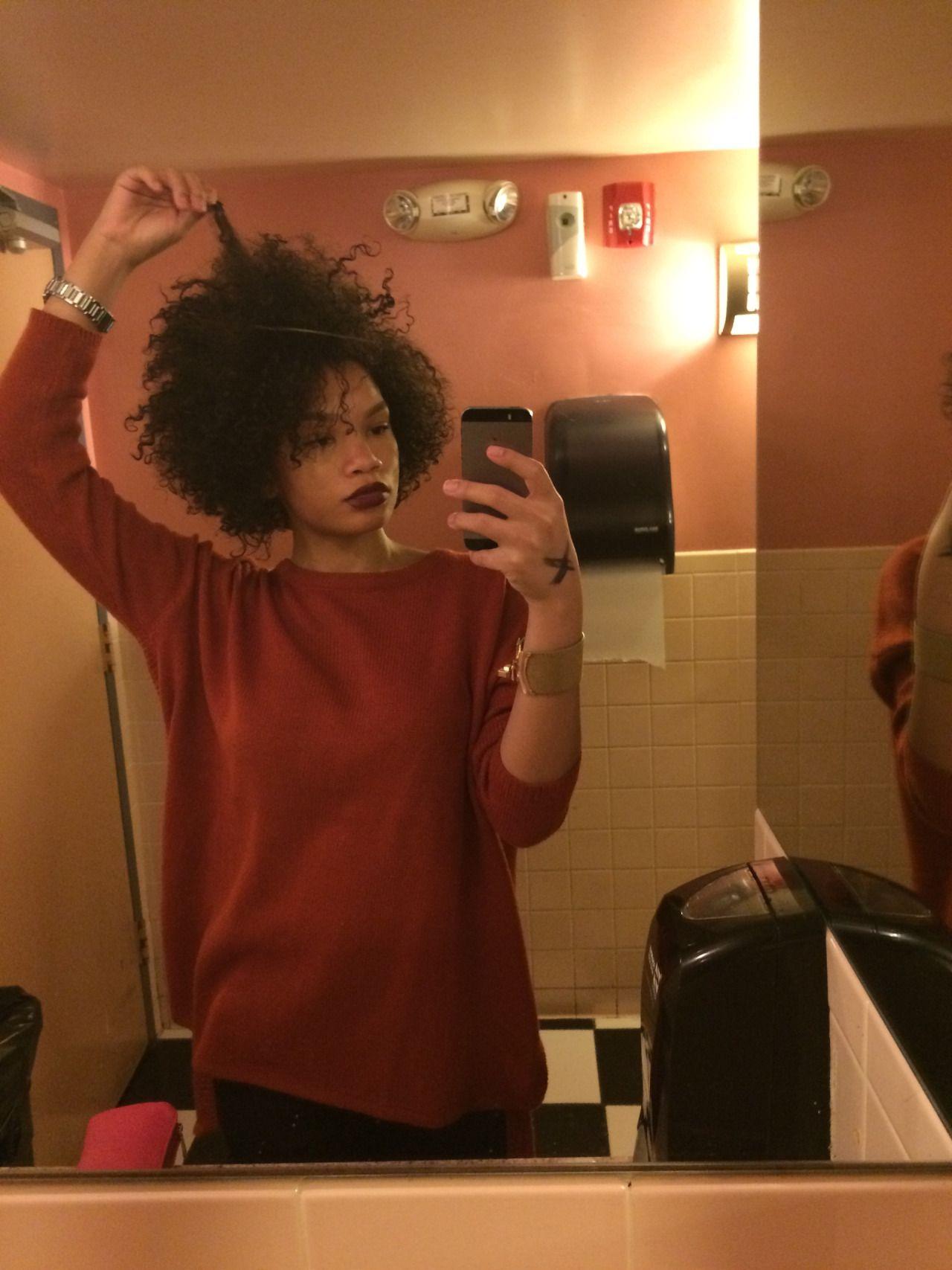 Venus Observa Feminae — naturalblkgirlsrock:   Hi i'm new to tumblr and...