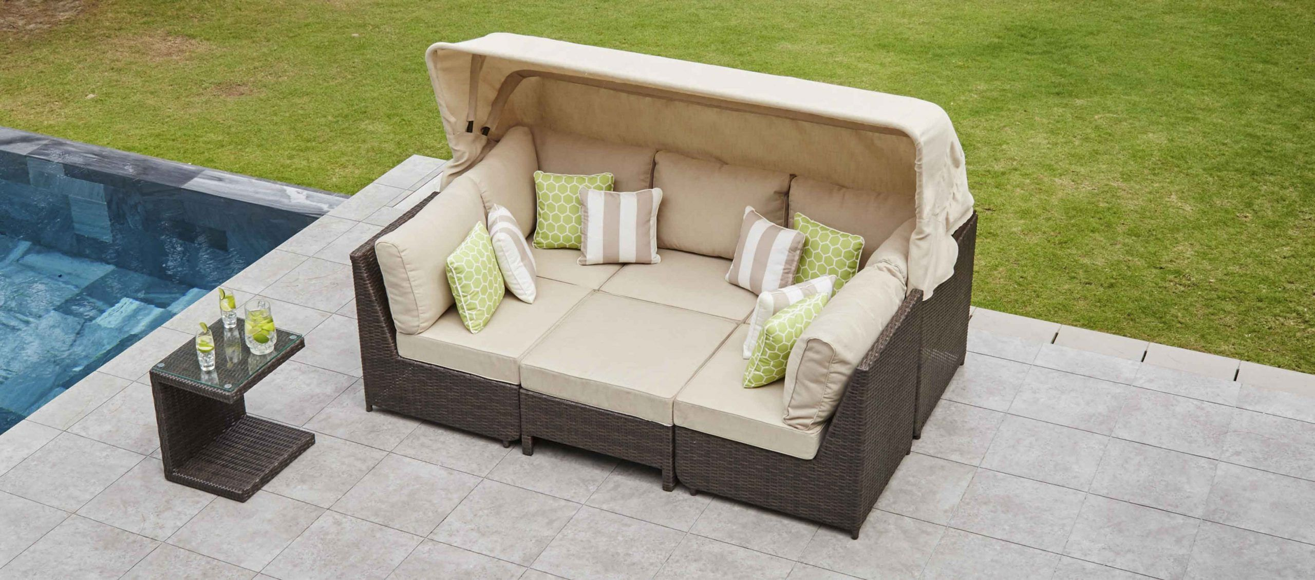 A Comprehensive Overview On Home Decoration In 2020 Daybed Sofa Corner Sofa Corner Sofa Outdoor