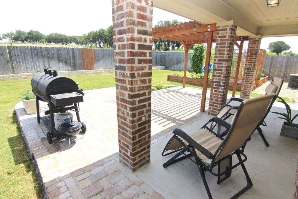1108 Chaucer Ln Harker Heights Tx 76548 Mls 209312 Zillow Extended Patio With Pavers Patio Projects Patio Types Of Houses