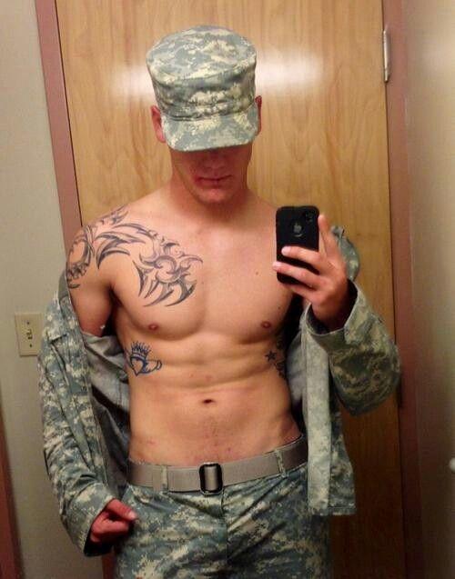 Sexy männlicher Soldat