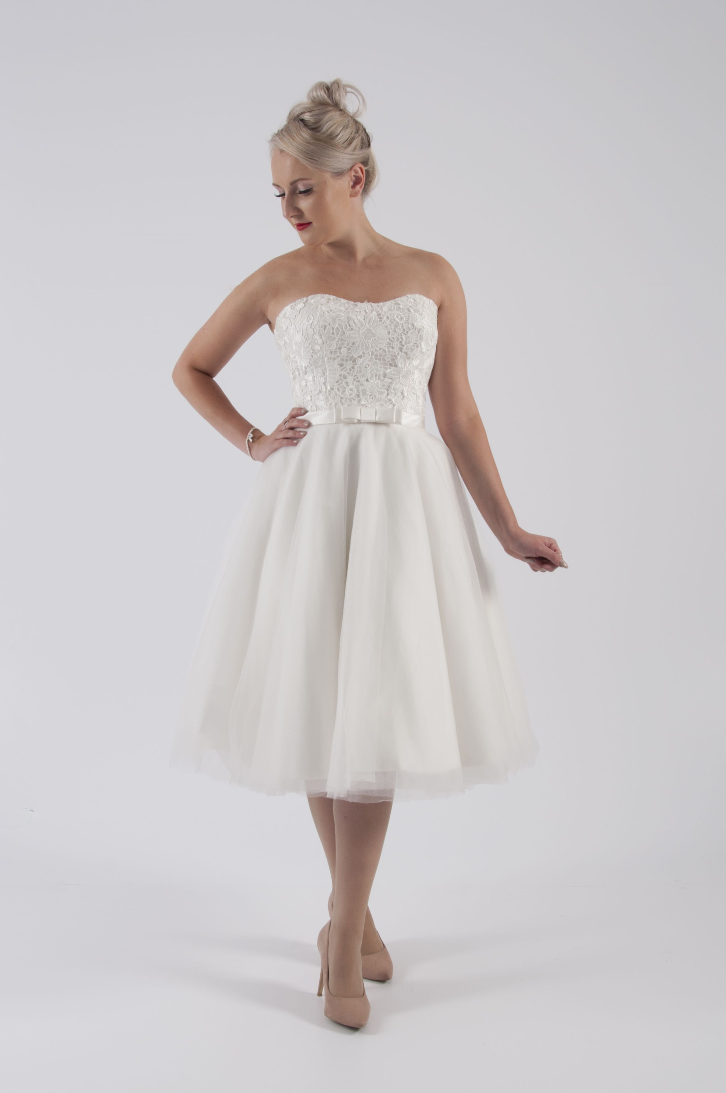 House of mooshki original strapless guipure lace ivory short wedding