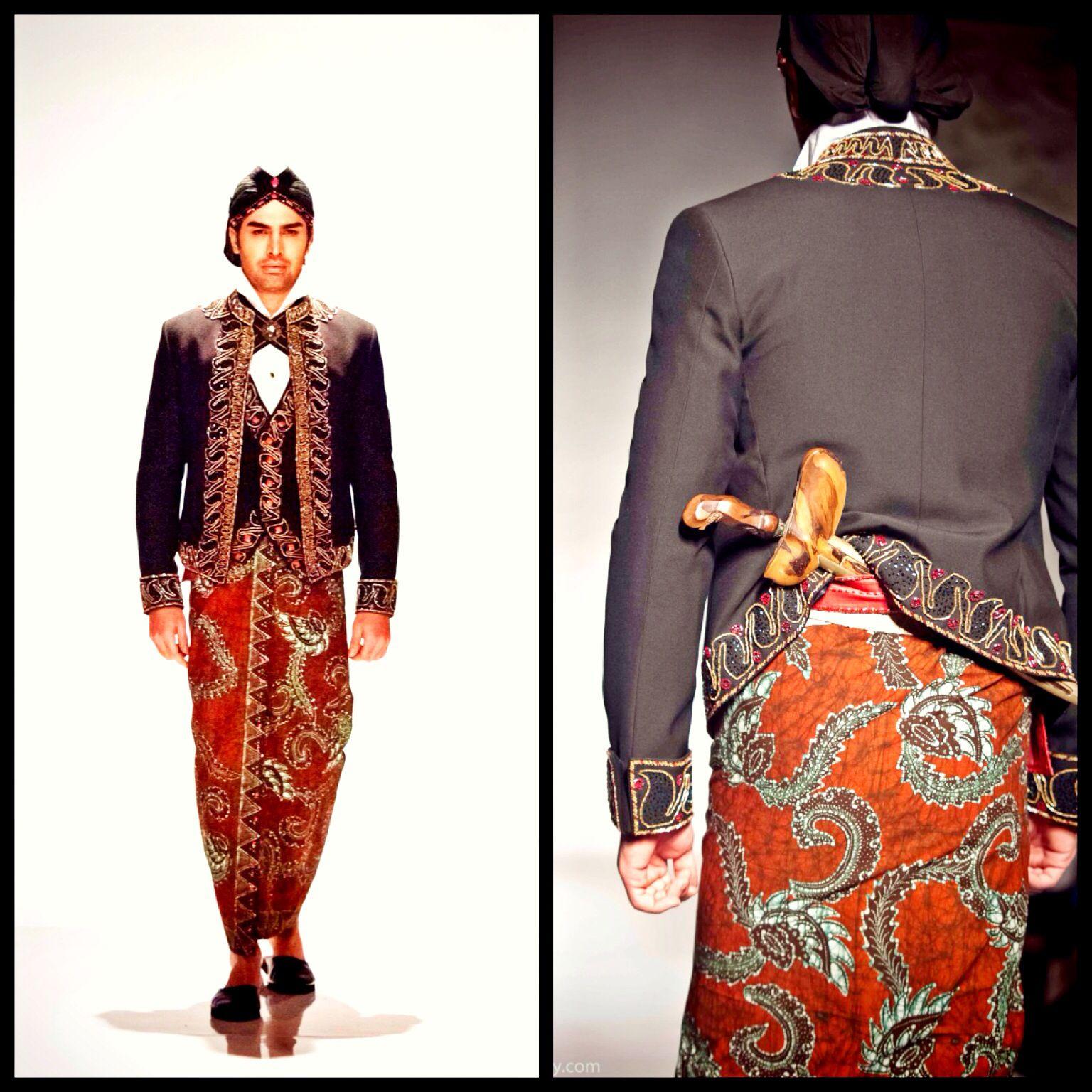 Pakaian Adat Yogyakarta Namanya