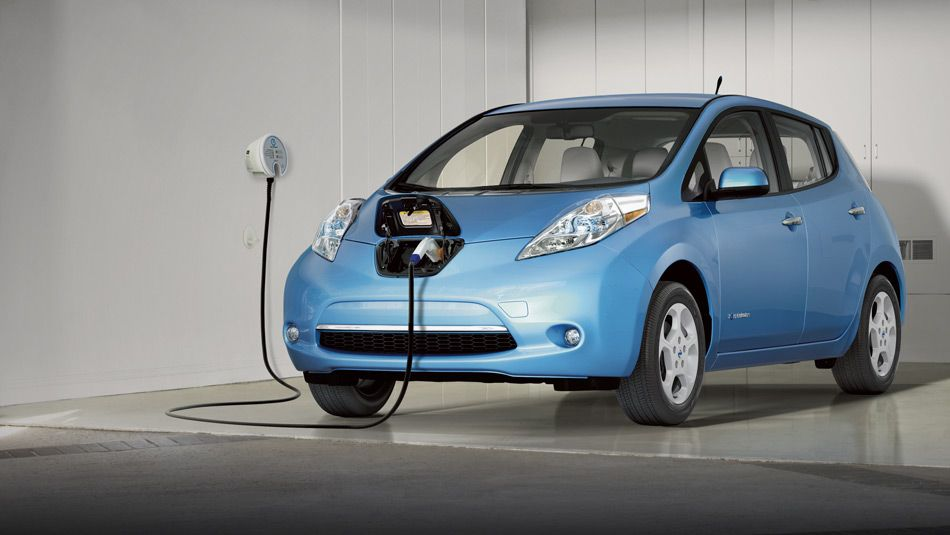 Nissan Leaf Electric Car 100 Electric Zero Gas Zero Tailpipe Electric Car Charging Nissan Leaf Hybrid Car