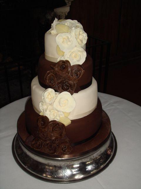 Chocolate And Vanilla Wedding Cake Chocolate And White