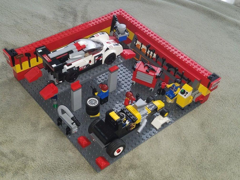 Lego Race car garage Grand Pa's Legos Lego, Lego
