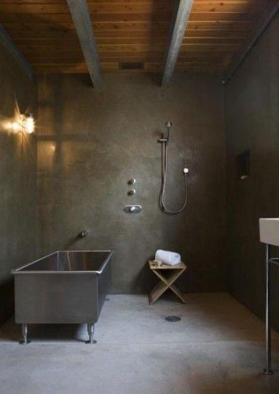 ユニットバスではできない おしゃれな浴槽があるバスルーム モダン