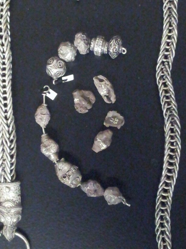 Silver beads and chain. Sjelland (Zealand), Denmark. Exhibited at the National Museum in Copenhagen.