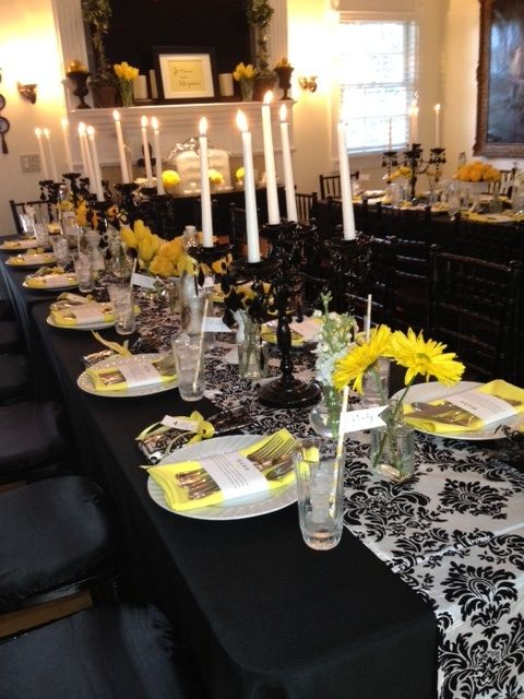 Black white and yellow table decor entertaining for Annual dinner decoration