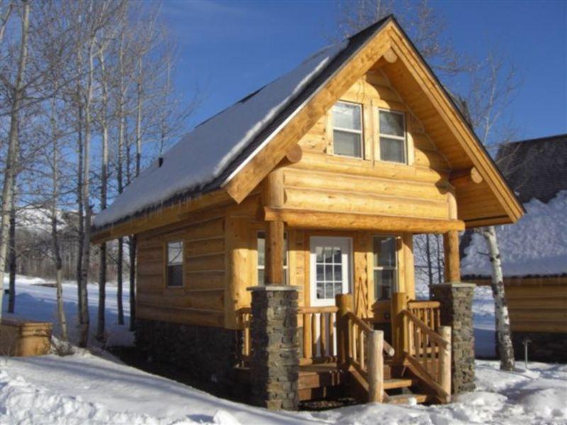 so sweet and little Prefab log cabins Log homes Log