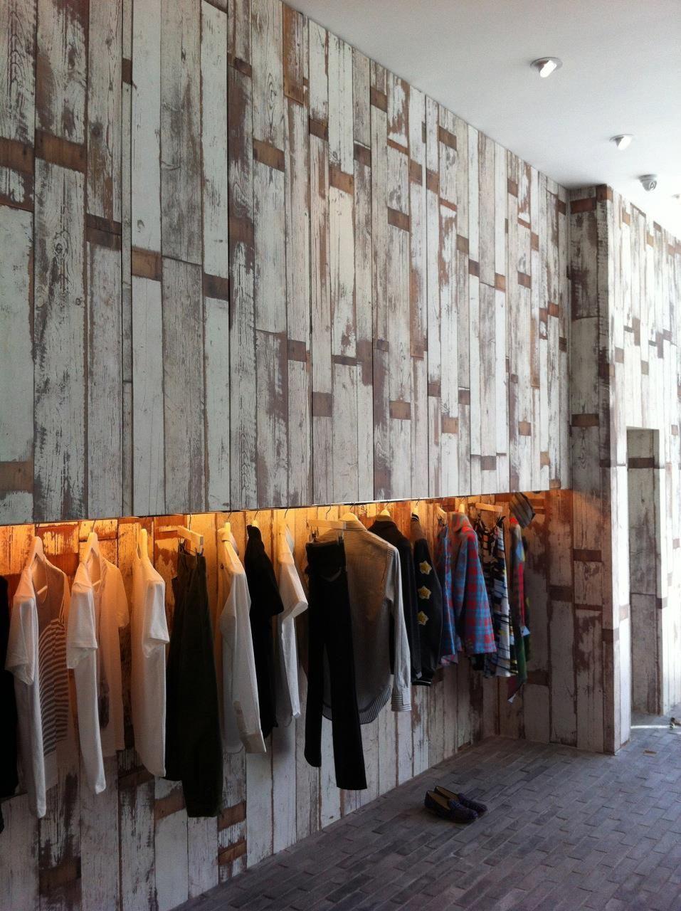 Piet hein eek scrapwood wallpaper modern wallpaper los angeles - Scrapwood Wallpaper Phe 02 By Piet Hein Eek Recently Displayed In A Fashion Store