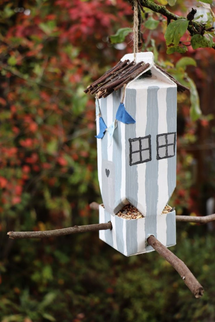DIY: Milchtüten-Vogelhaus zum Tiere beobachten (inkl. Buchempfehlung) - Lavendelblog