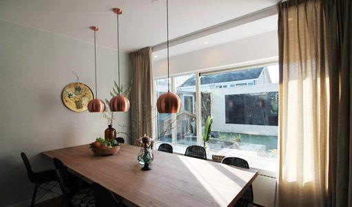 De achterwand is opgebouwd uit lagen waardoor je de keukenwand