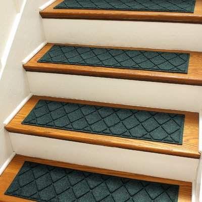 Best Tucker Murphy Pet Beaupre Evergreen Argyle Stair Tread 400 x 300