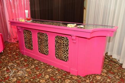 Good Hot Pink/cheetah Bar!