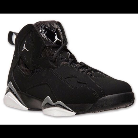 f12b5b172e46 Another Blacked out Jordan s Used but still in good condition Jordan Shoes  Athletic Shoes