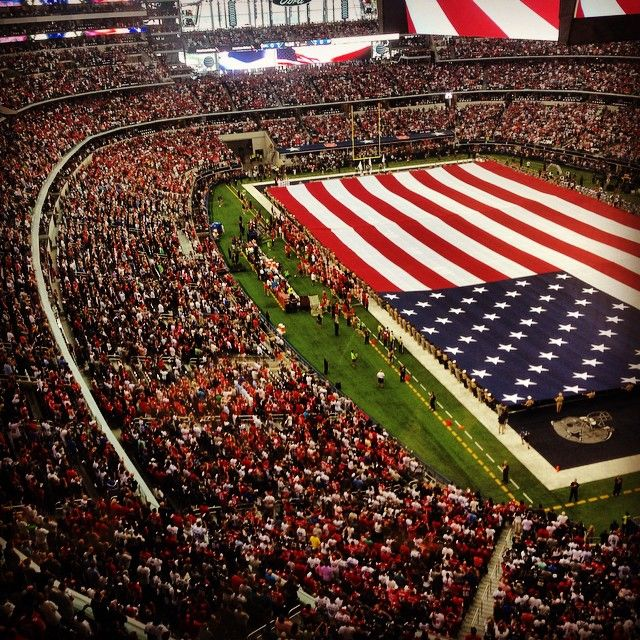 Truly a red, white and blue crowd for #49ers #Cowboys opener 2014