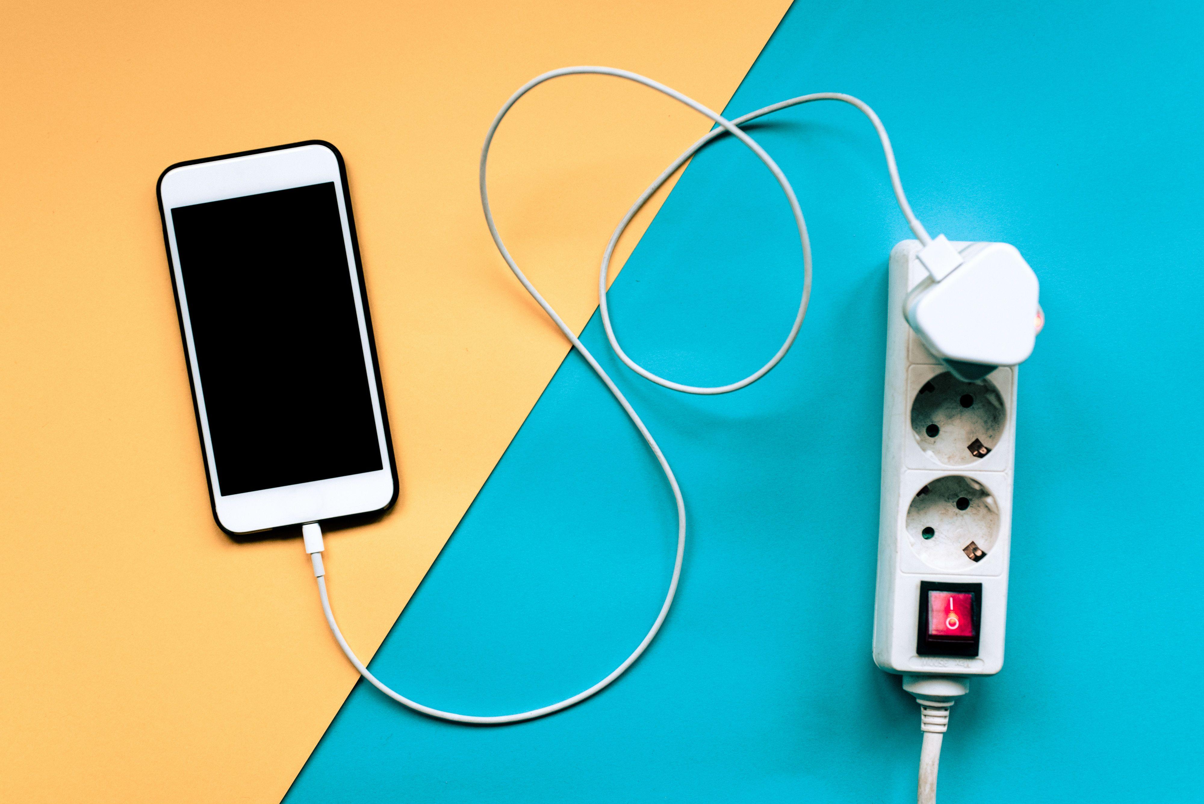 Stromverbrauch Handy Ladegerät
