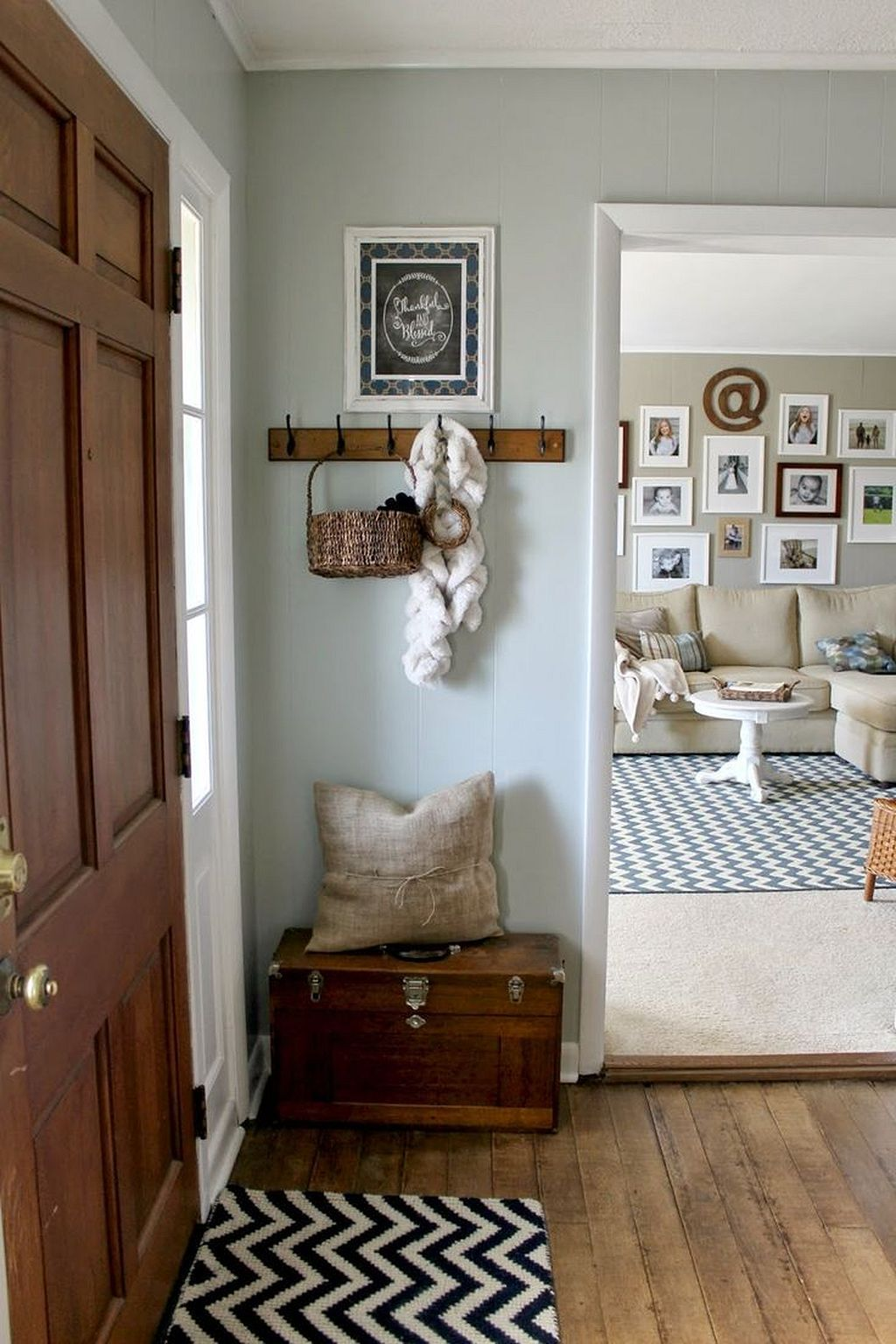 50 Awesome Small Entryway Ideas For Small Space With Decorating Ideas Farmhouse Decor Living Room Farm House Living Room Rustic Farmhouse Living Room Living room entryway ideas