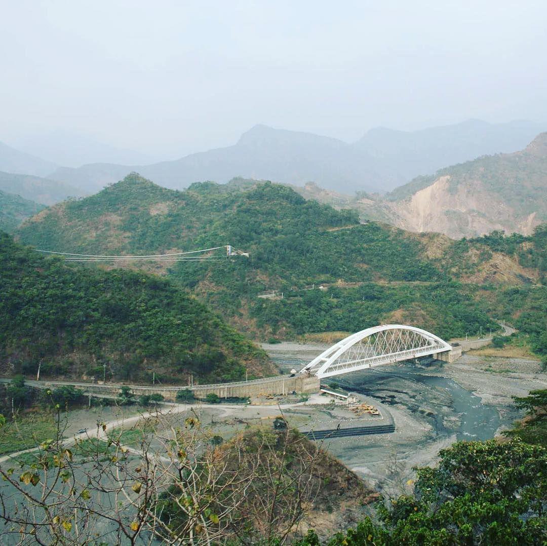 A view of #Duona suspension bridge and glass bridge below in #Maolin #Kaohsiung #taiwan #高雄茂林區 #多納大吊橋 和 #多納大橋 的美景