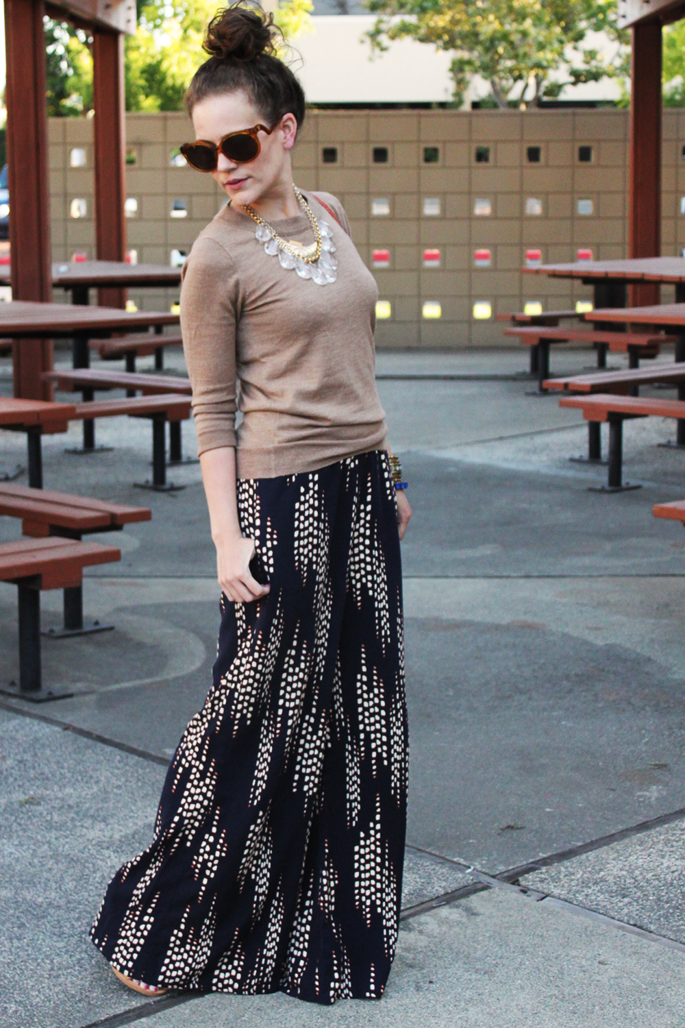 How To Wear Wide Leg Pants For Fall Maxi Skirt Outfits Maxi Outfits Fashion [ 1500 x 1000 Pixel ]