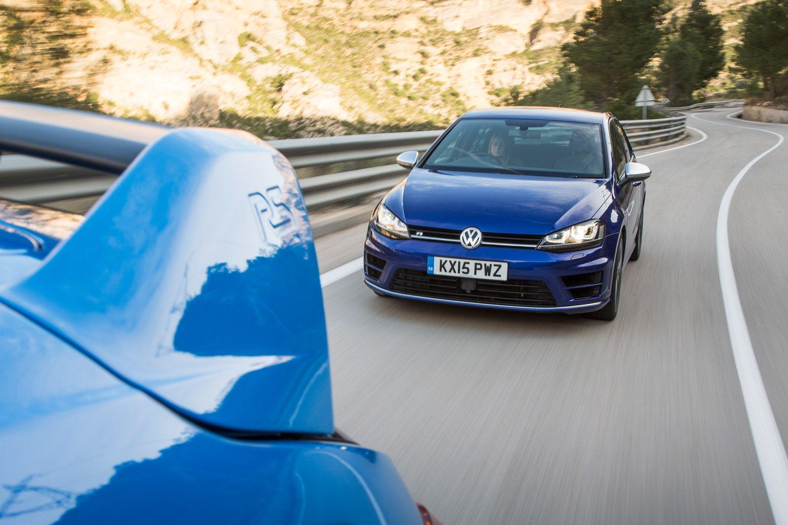 Ford focus rs versus volkswagen golf r twin test autocar