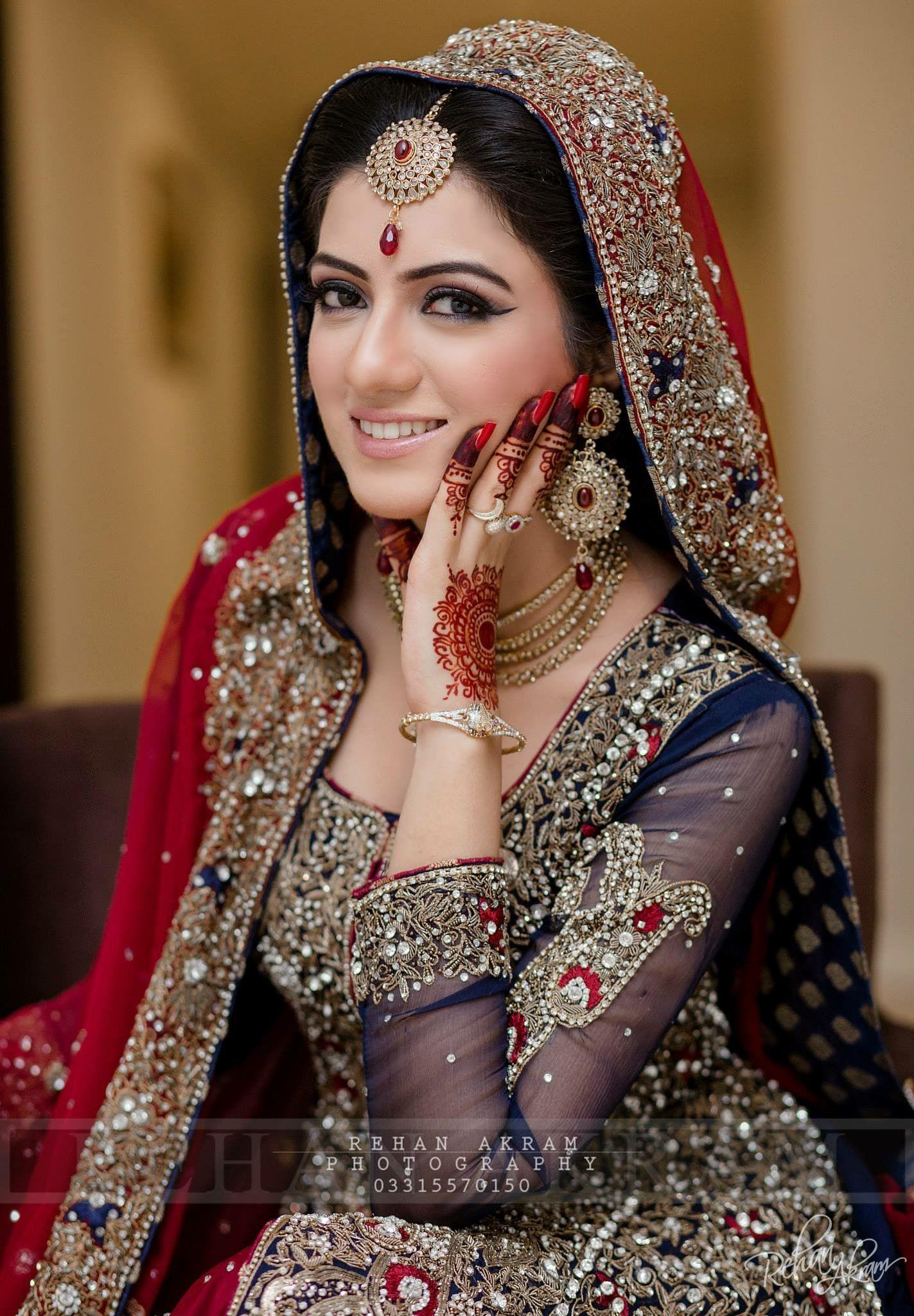 eecddc2b4e09 Indian Bridal Wear, Indian Wear, Indian Style, Desi Wedding, Wedding Bride,
