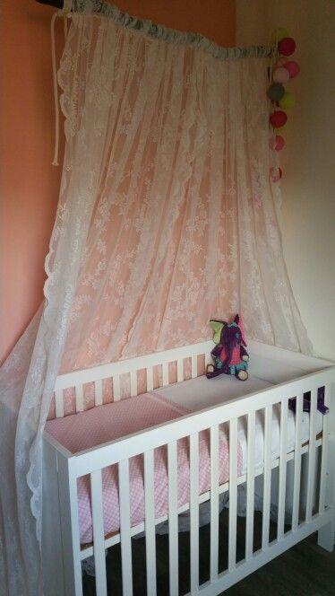 baby meisjes ledikant met een klamboe van ikea gordijn ( kant) en, Deco ideeën