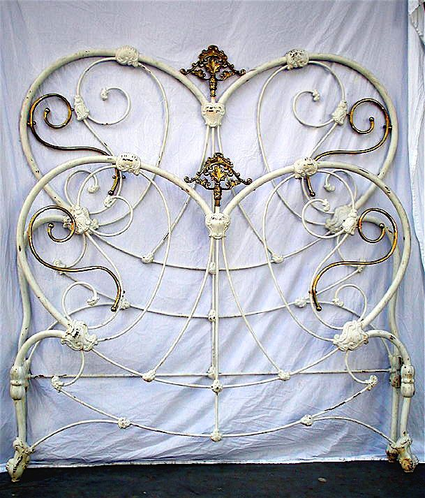 Heart Shaped Victorian W Extremely Unique Brass Ironbeds Antiqueironbeds Antique Iron Beds Vintage Bed Frame Wrought Iron Beds
