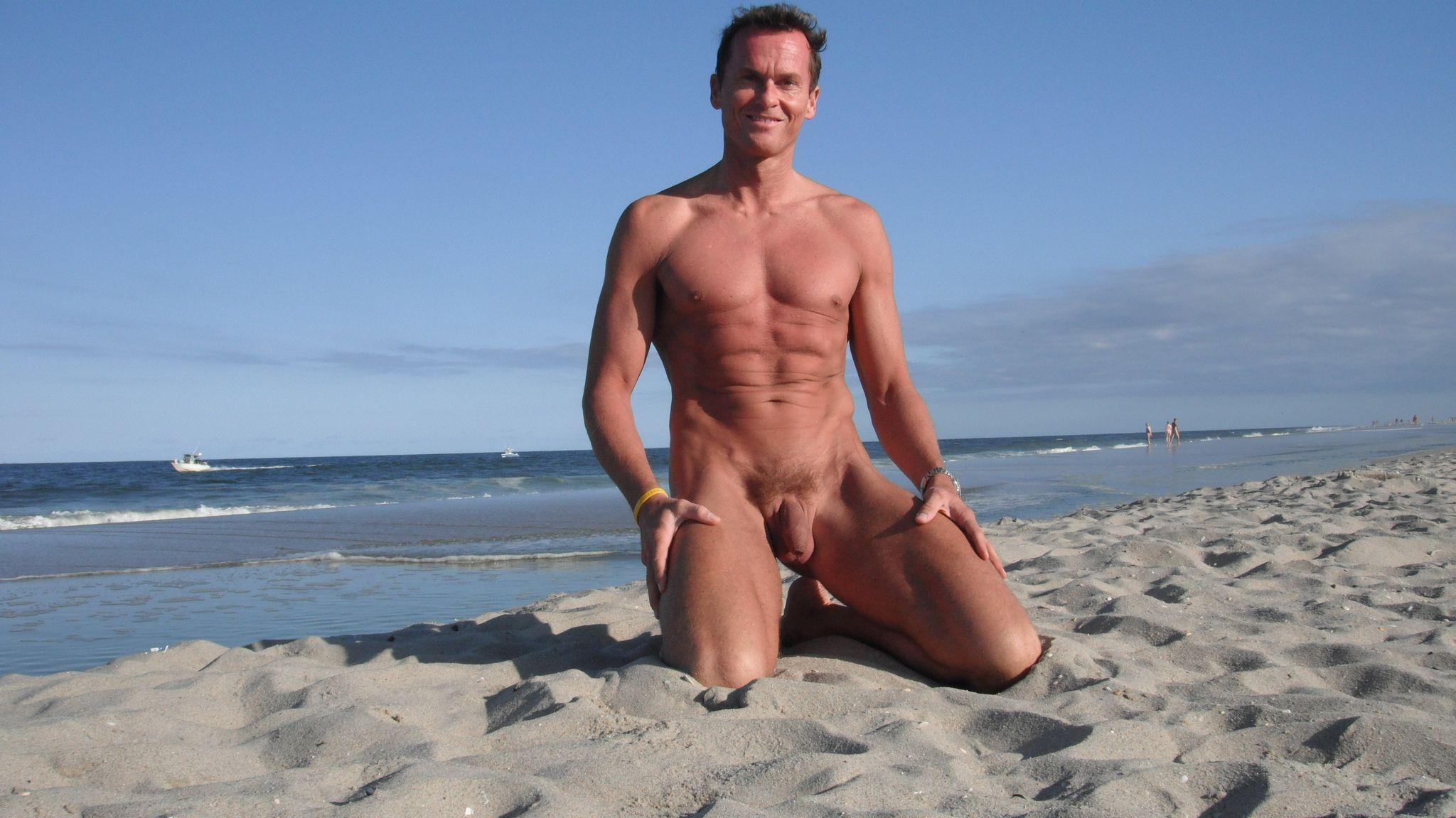nude-beach-lover-haulover