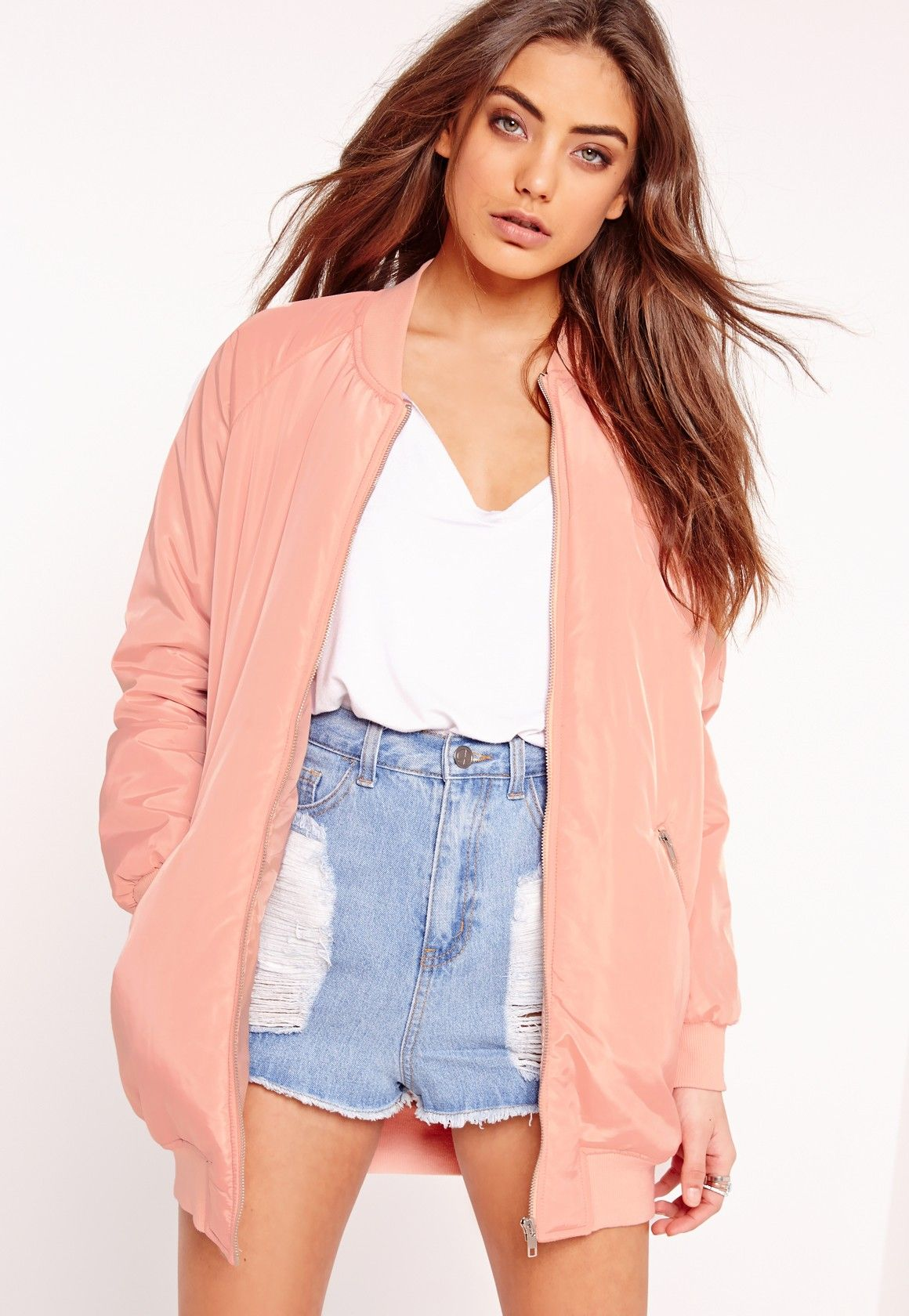 You're da bomb, girl! This padded bomber jacket will seriously up your day game. Featuring a longline design, padded fit, bomber style and two pockets to the front and sleeves in a playful pink shade, you'll be looking effortlessly dreamy. ...
