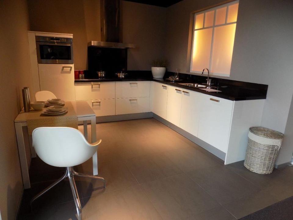 Bribus Kuche Mit Elektrogeraten Einbaukuche Kuchenblock L Form In