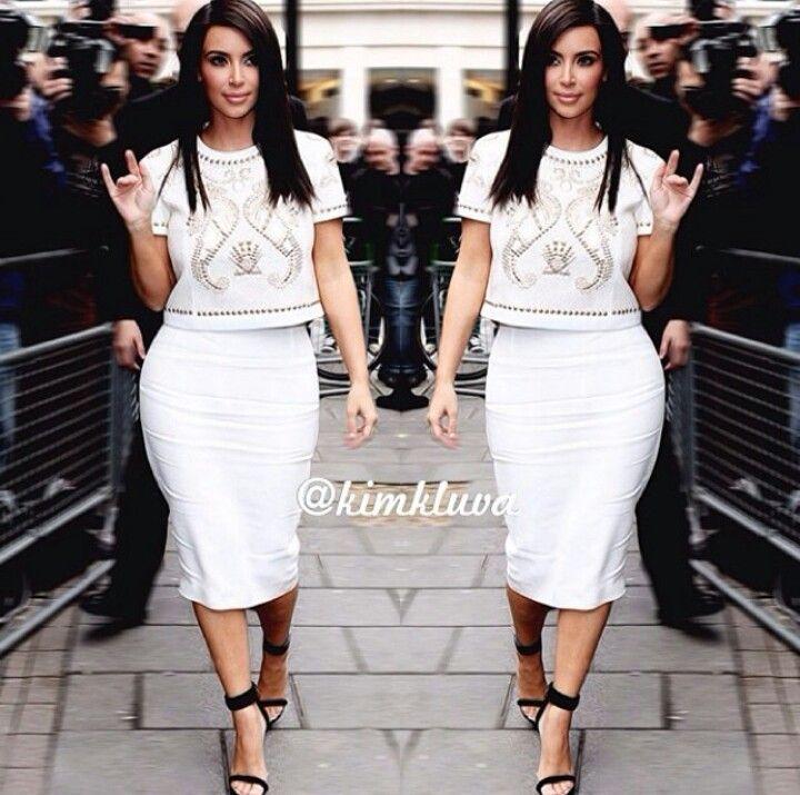 Kim Kardashian | Hand Signs & Symbolism | Pinterest | Kardashian ...
