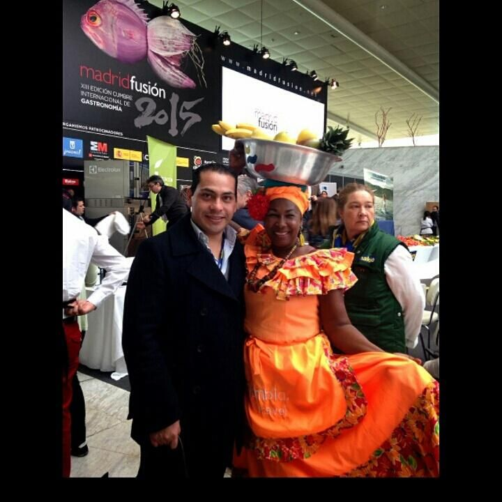 Desde #CartagenaDeIndias #Colombia Eva, la mujer más fotografiada de #MadridFusion2015 #ColombiaesRealismoMagico