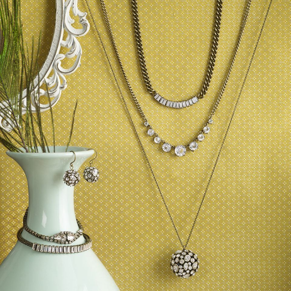 These beautiful pieces are 25% off ...